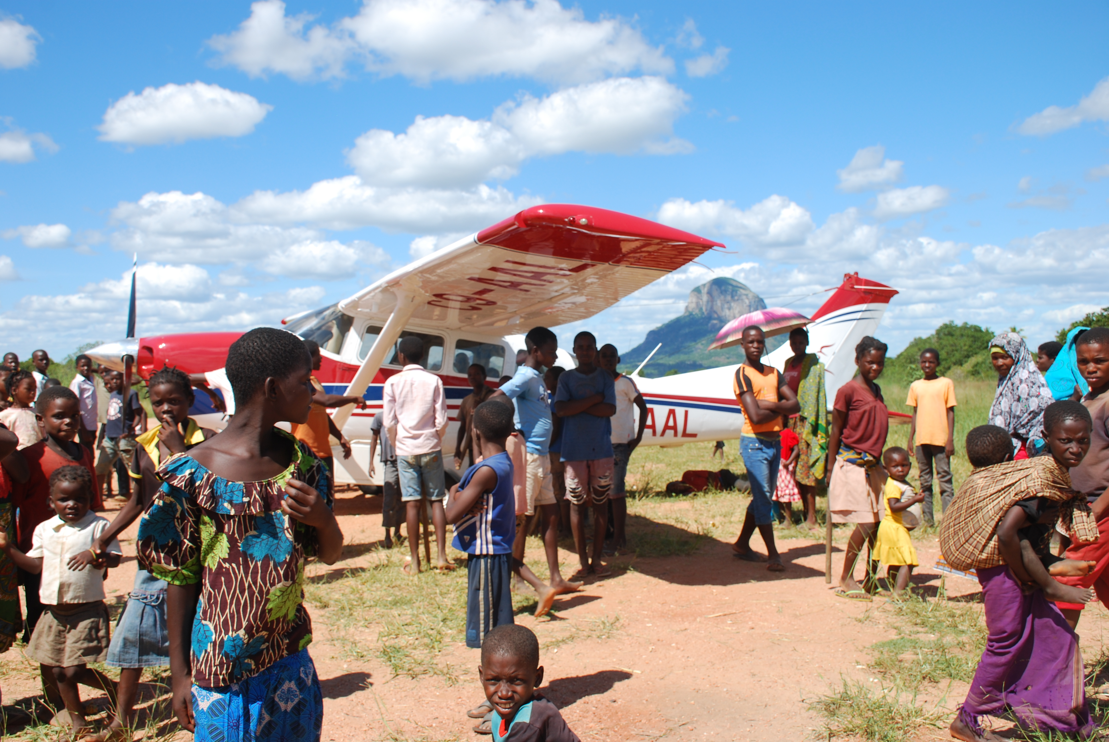 Ministry builds relationships with Mozambican villages through medical aviation