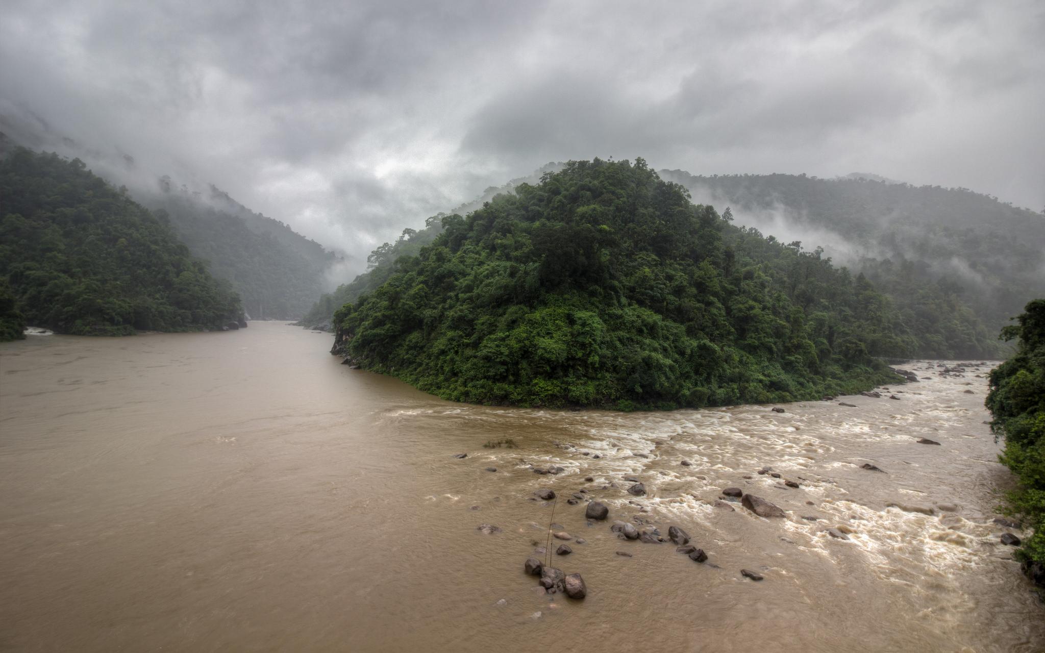Monsoon rains nearly halt ministry in Bangladesh