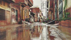 street in Pakistan (unsplash)