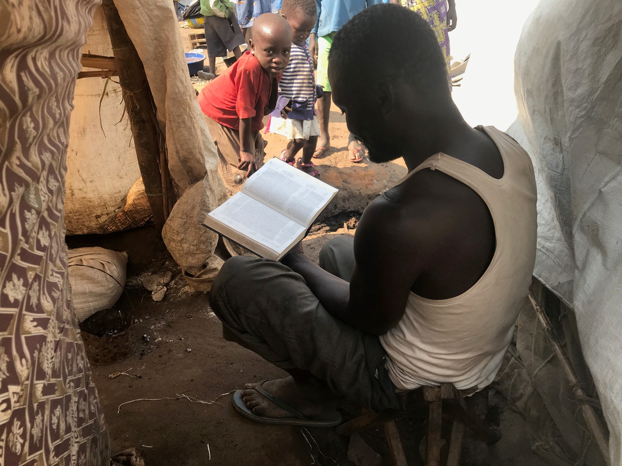 Congolese people displaced by violence embrace the Gospel in refugee camp