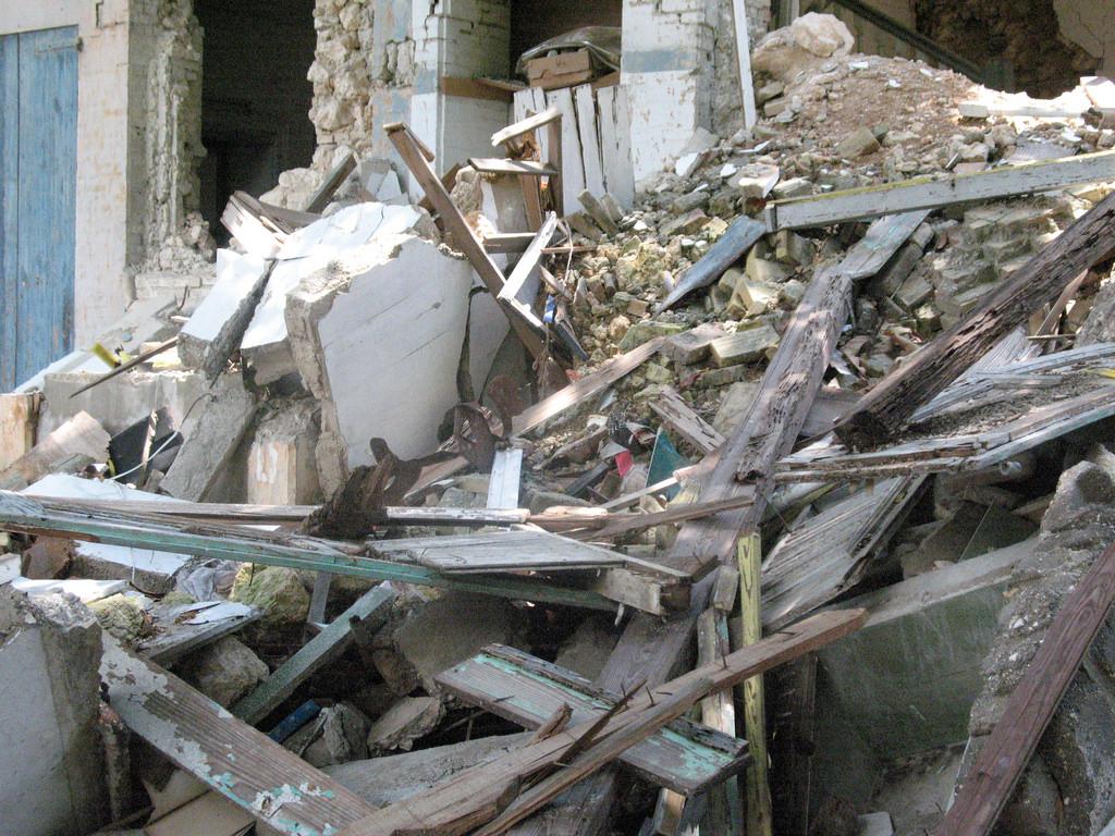 Haiti quake injures four Compassion children - Mission Network News