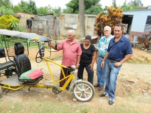 cuban-christians-bicycle-taxi