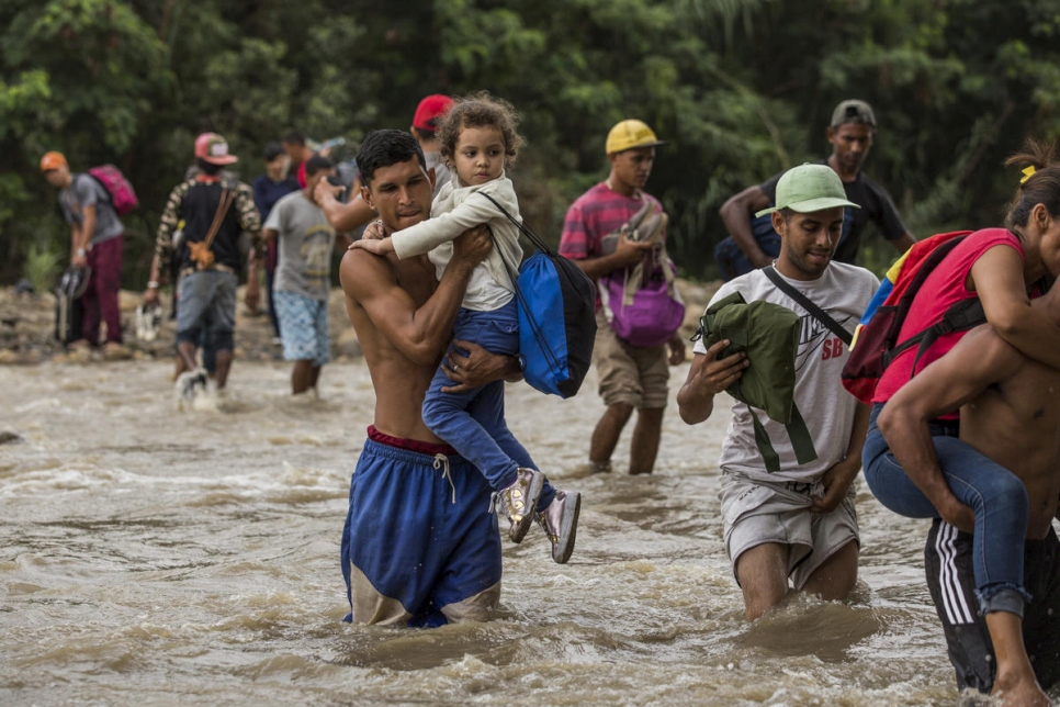 New arrivals flood Colombia as Venezuela crisis worsens