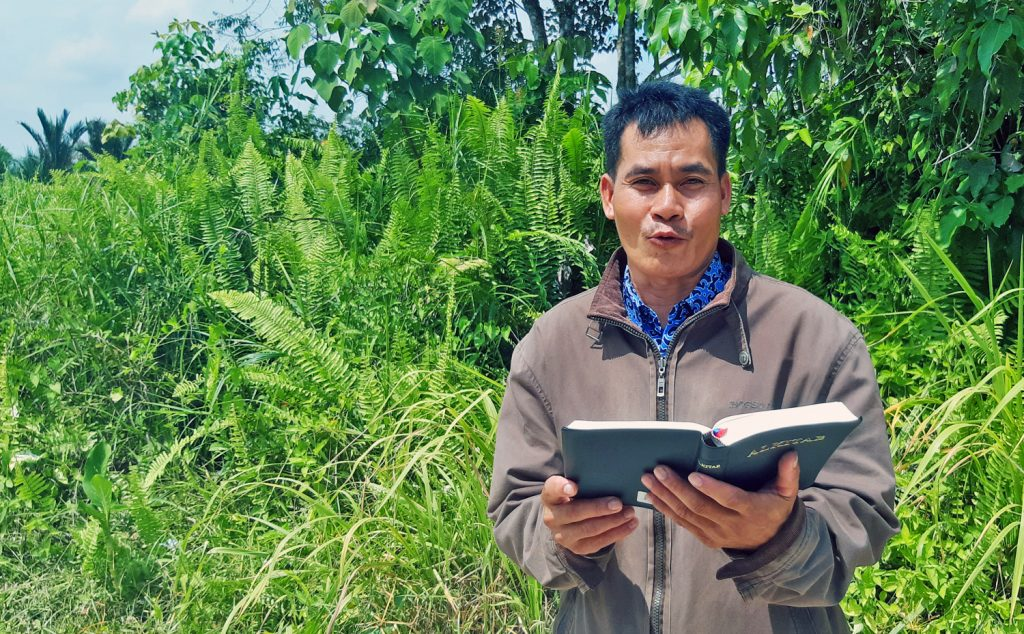 Bible Translation Acceleration Kits Equip Indonesian Bible Translators