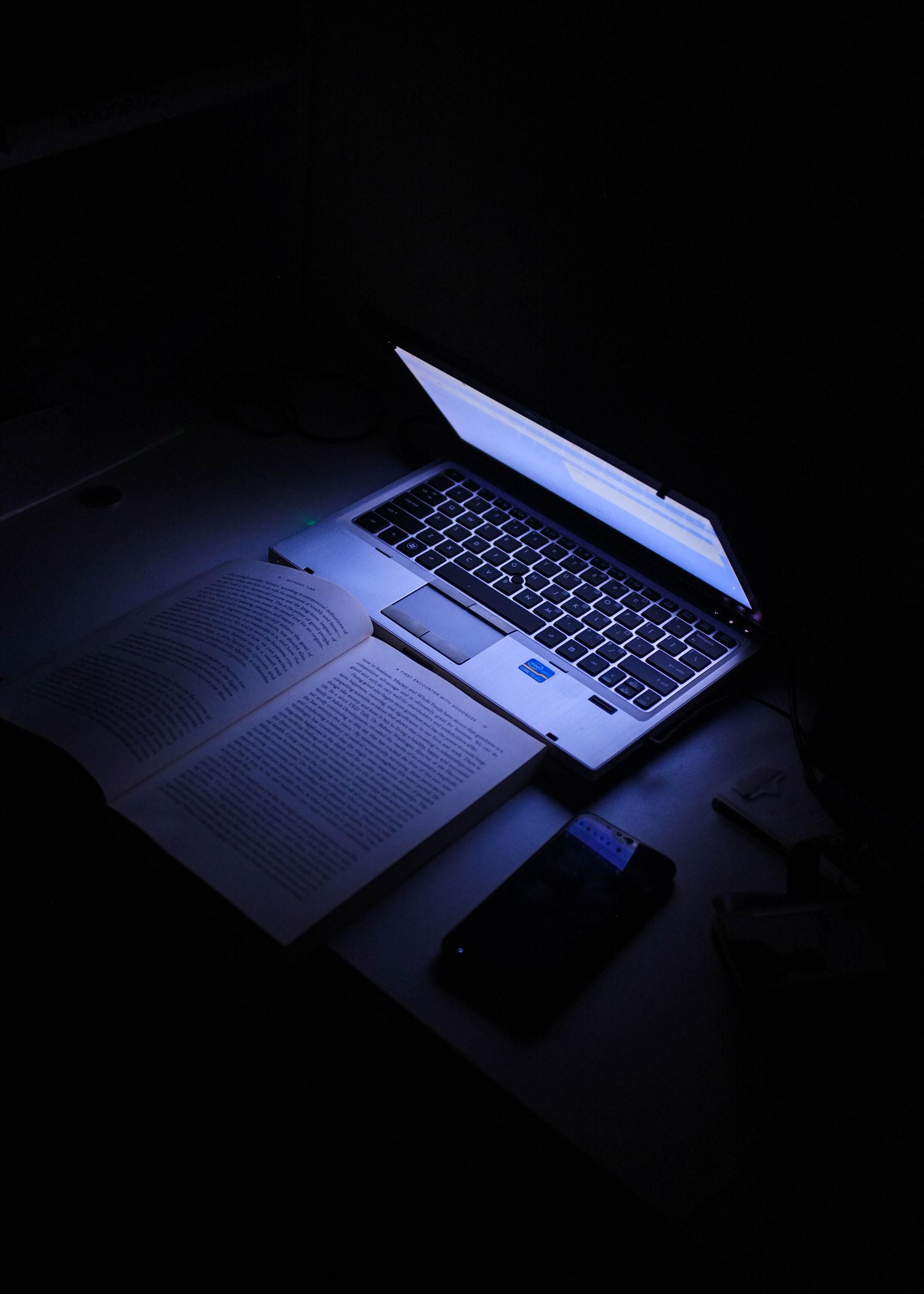 laptop, unsplash