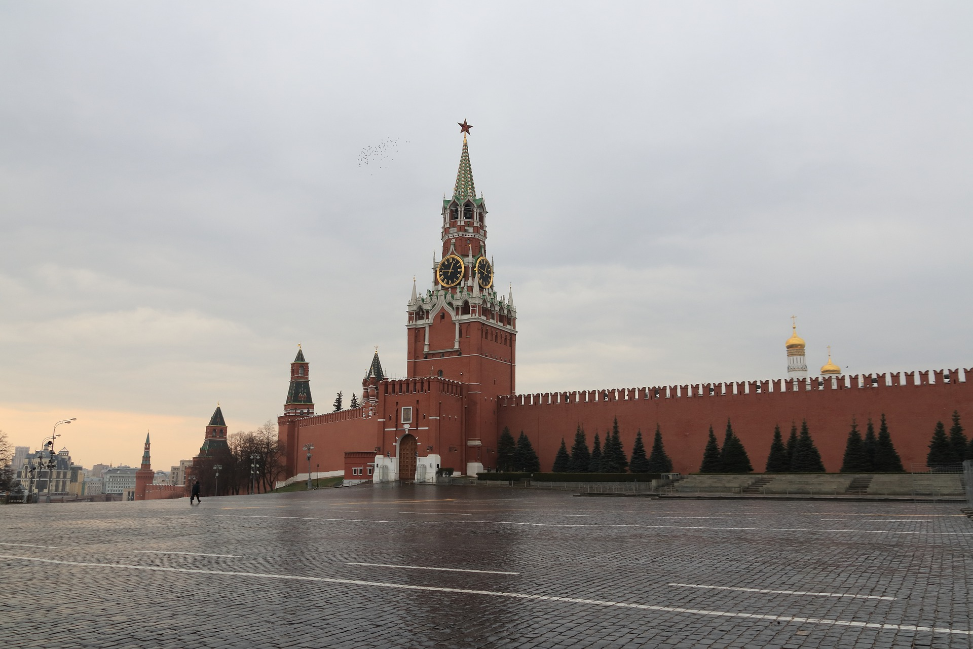 Russia lifting restrictions, but COVID-19 hasn't gone away