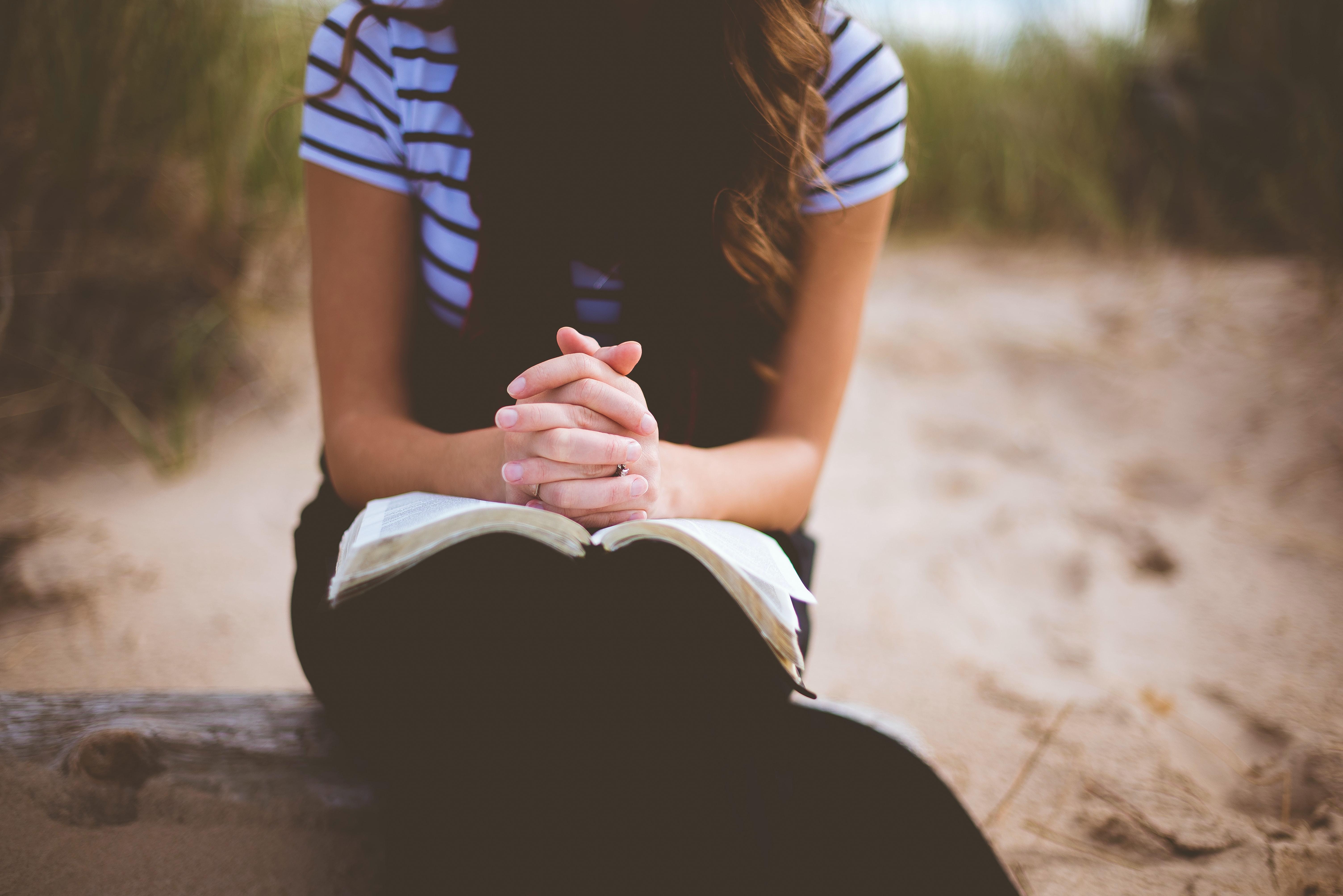 praying, unsplash