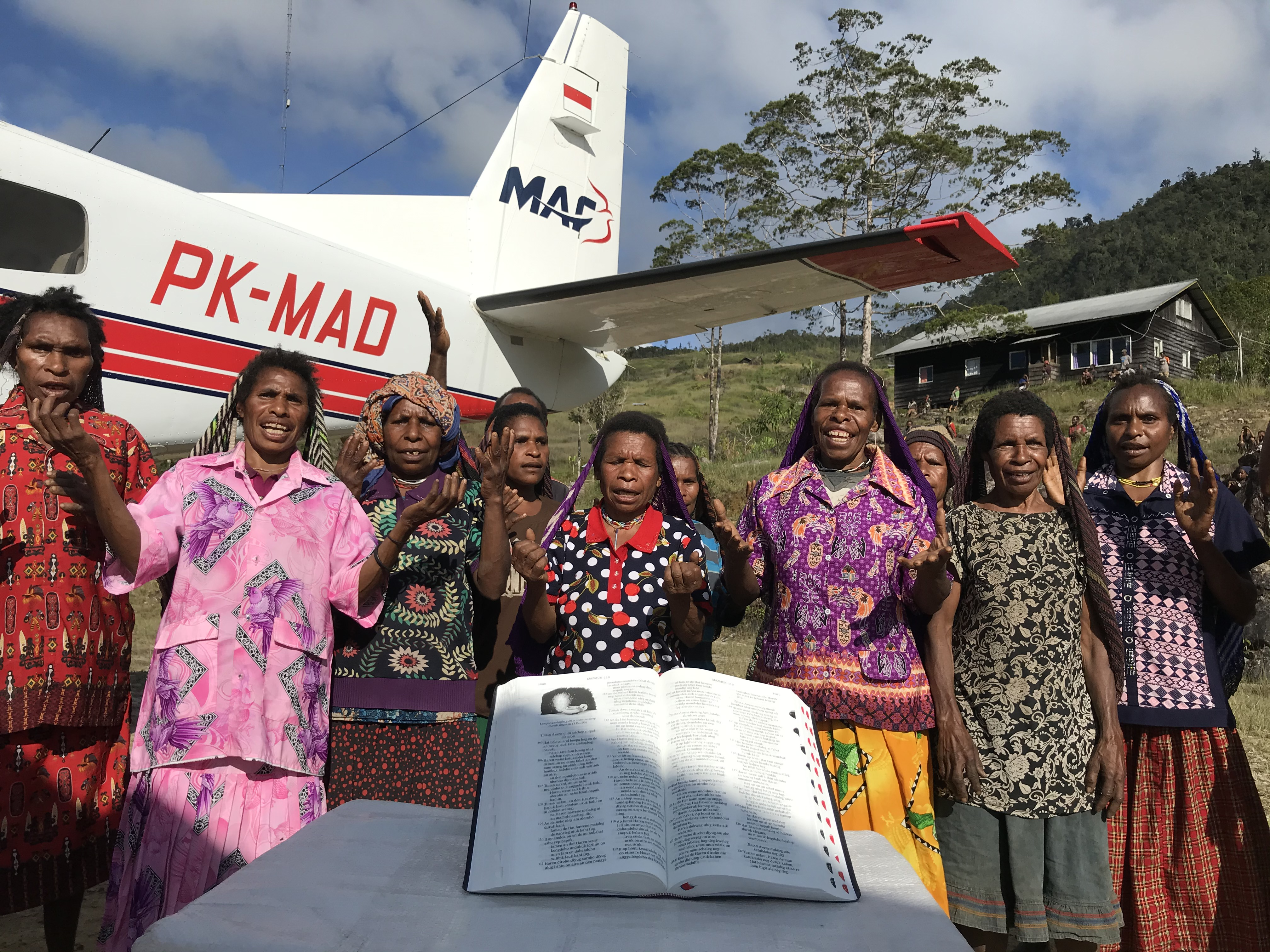 Bibles Delivered to Yali tribe 52 years after first missionaries martyred