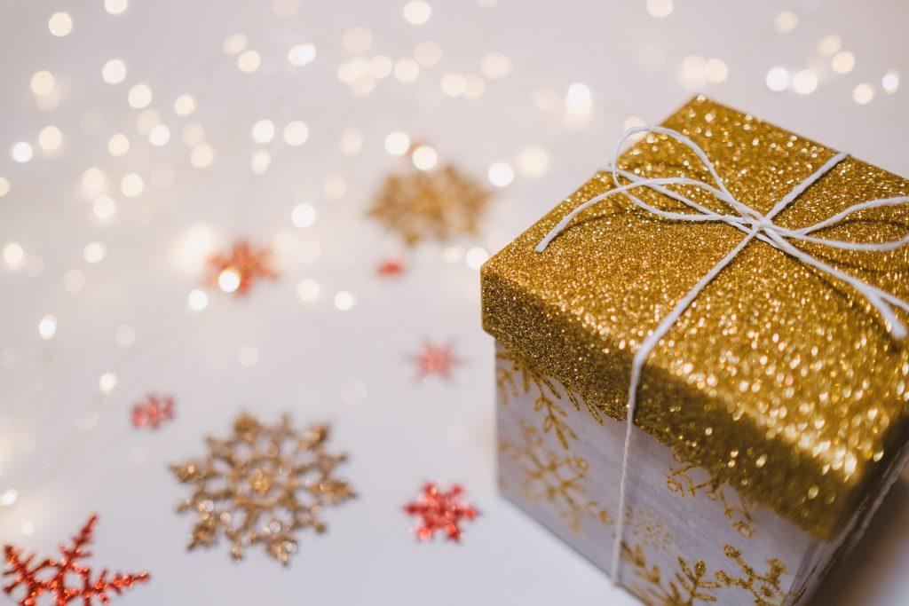 gift, christmas, wycliffe USA, unsplash