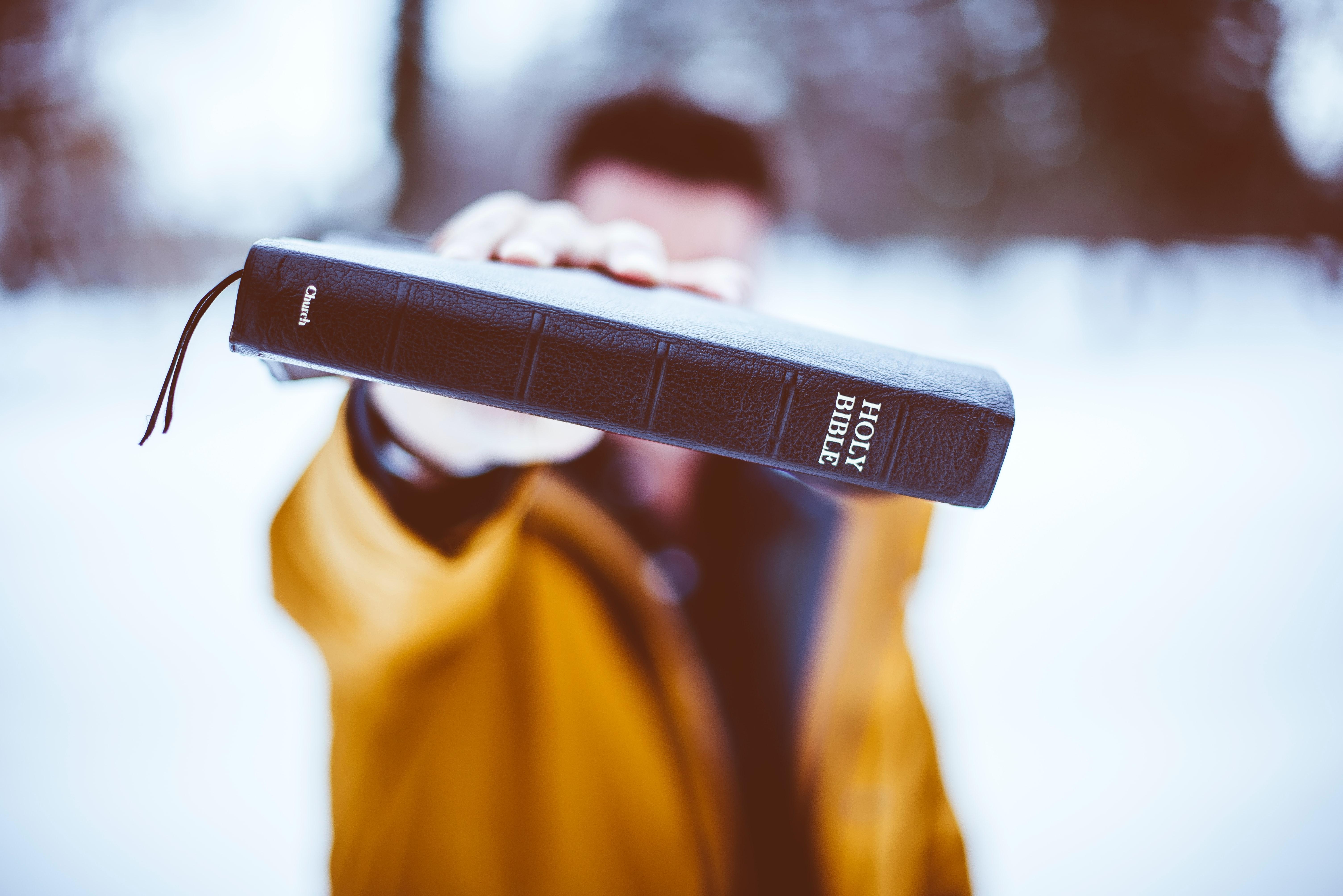 Bible, mission cry, unsplash