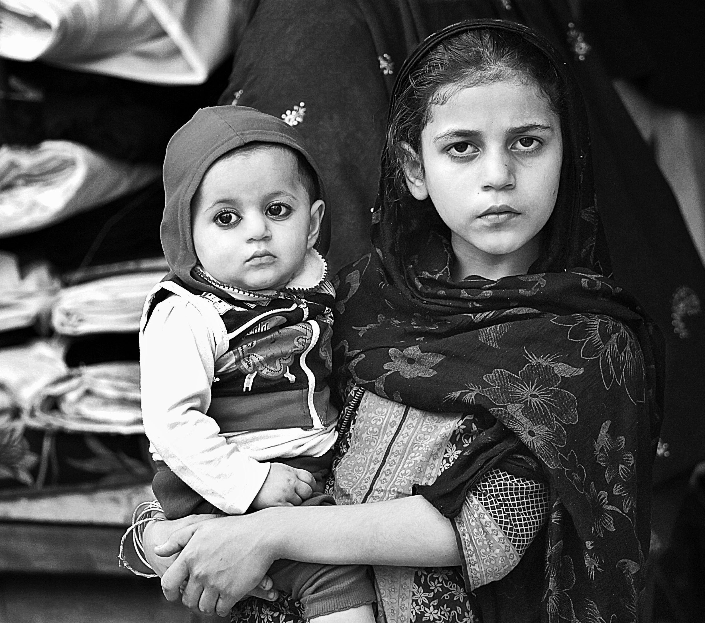 pakistan, kids, uncharted ministries, unsplash