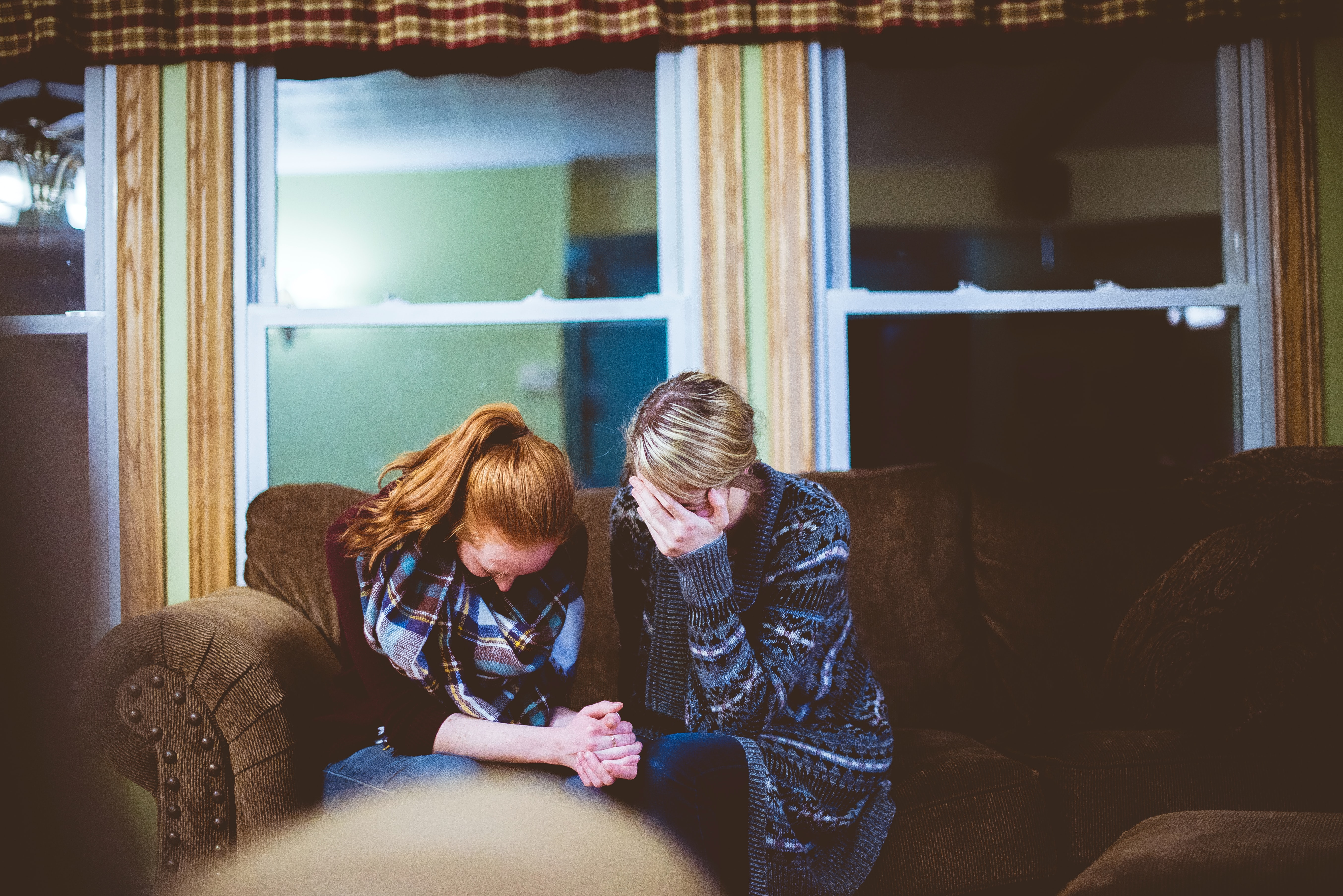 How to show Christ's love to a grieving friend