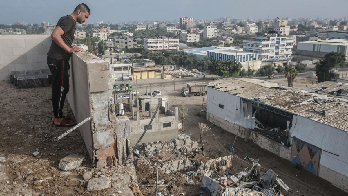 Violence explodes between Palestinians, Israelis