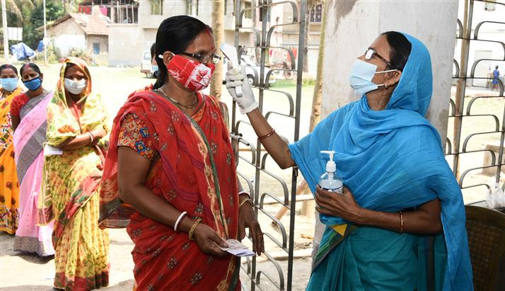 Indian healthcare system groans under COVID-19 surge