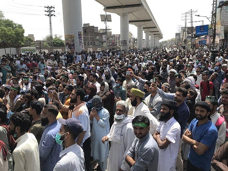 Muslims seize Pakistani hospital chapel, threaten Christians