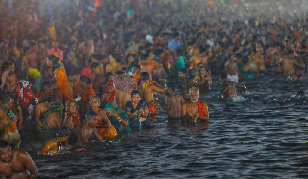 1024px Magha Saptami holy dip at Chandrabhaga