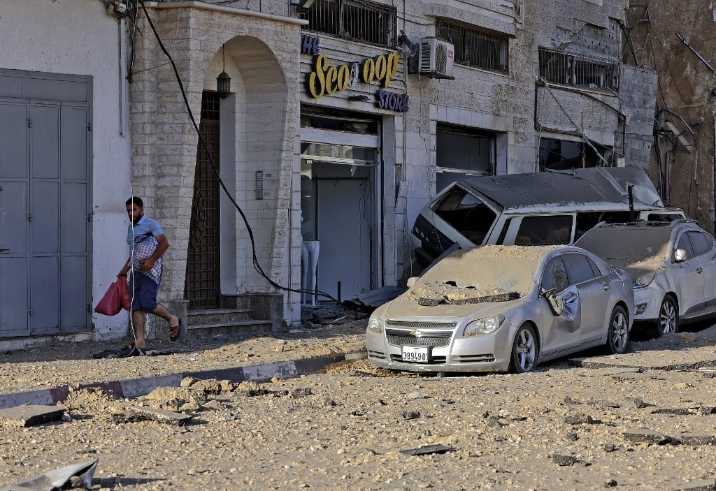 Human rights groups point to war crimes in Gaza
