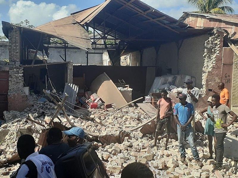 Haitian Christians meet in churches as earthquake aid trickles in