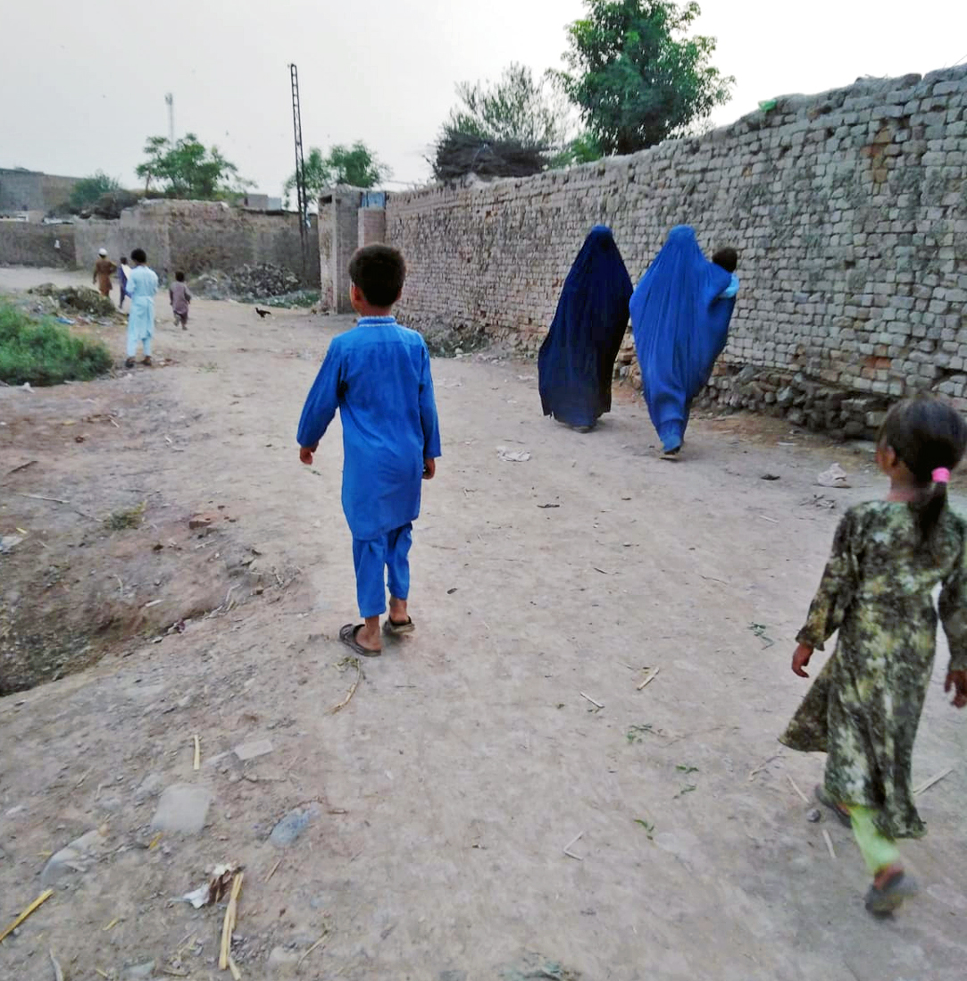 Second Caravan of Afghan Christians Heads to Pakistan
